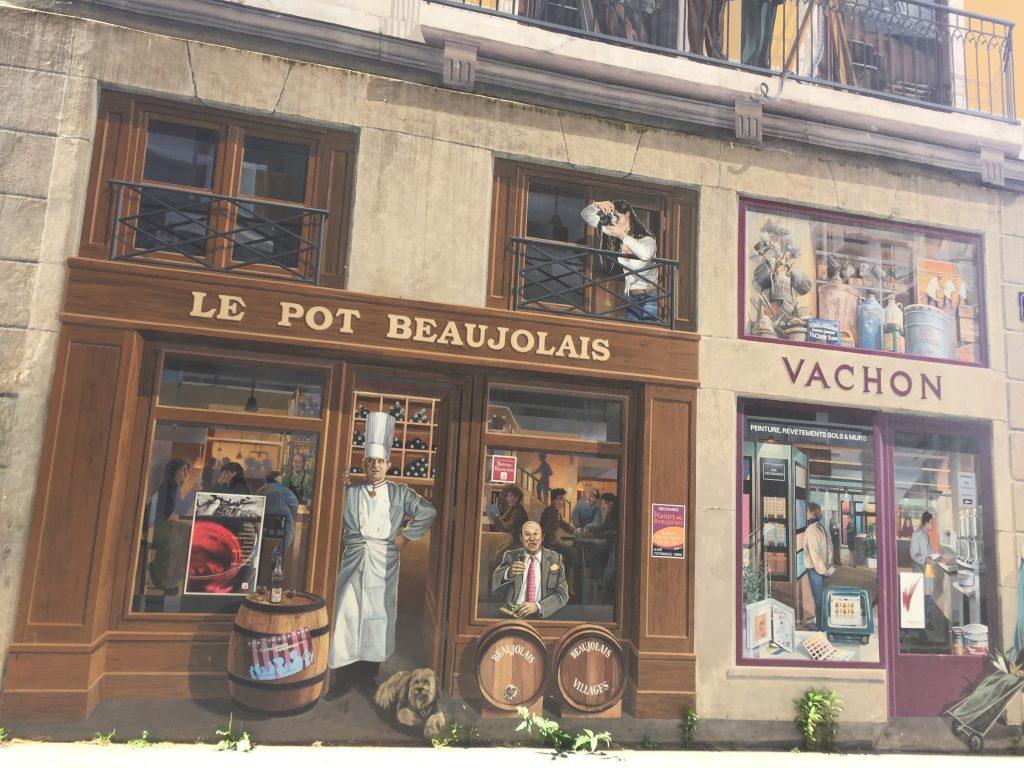 mur peint pot beaujolais Paul Bocus