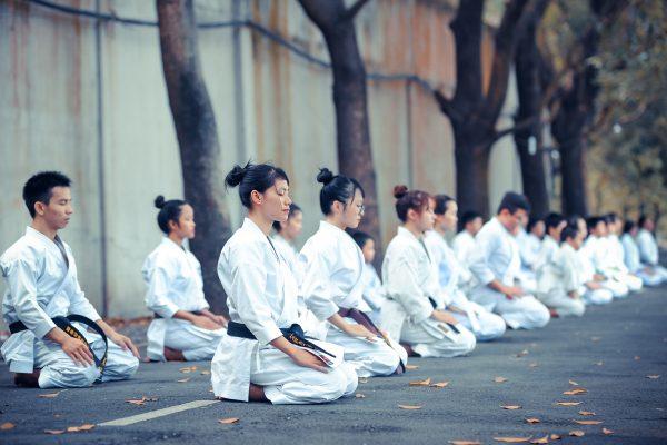 Quels sont les bénéfices que m'apporte le kata du Karaté?