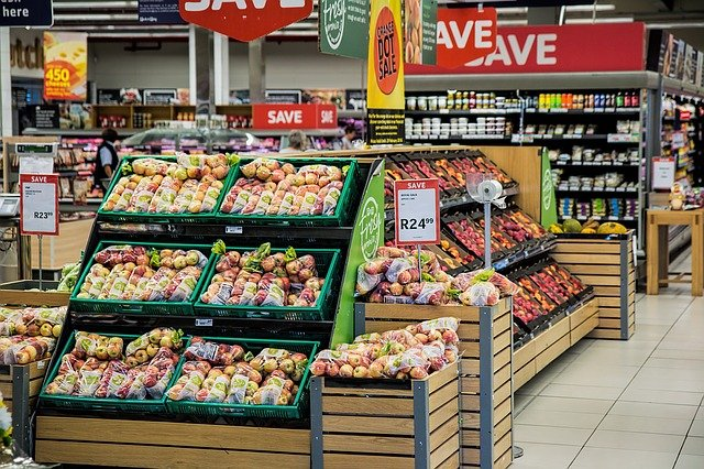 Quel supermarché propose la livraison de courses à domicile sur Caen ?